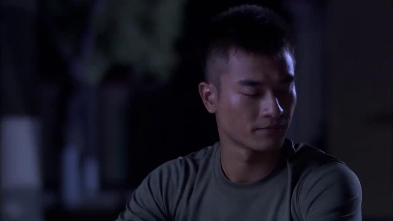 火蓝刀锋:蒋小鱼再出馊主意,竟想要去偷旗子,真不怕武钢发火