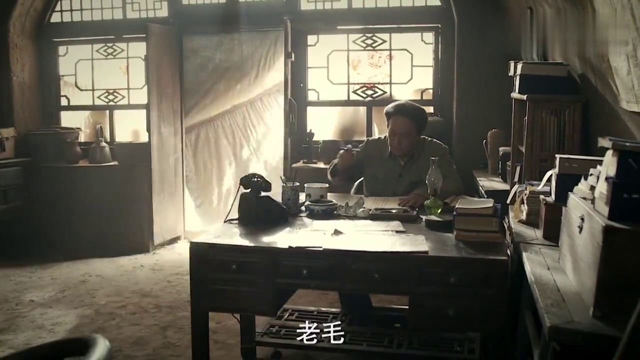 经典影视:毛主席写文章反驳老蒋,一听老蒋的行为,干得漂亮啊