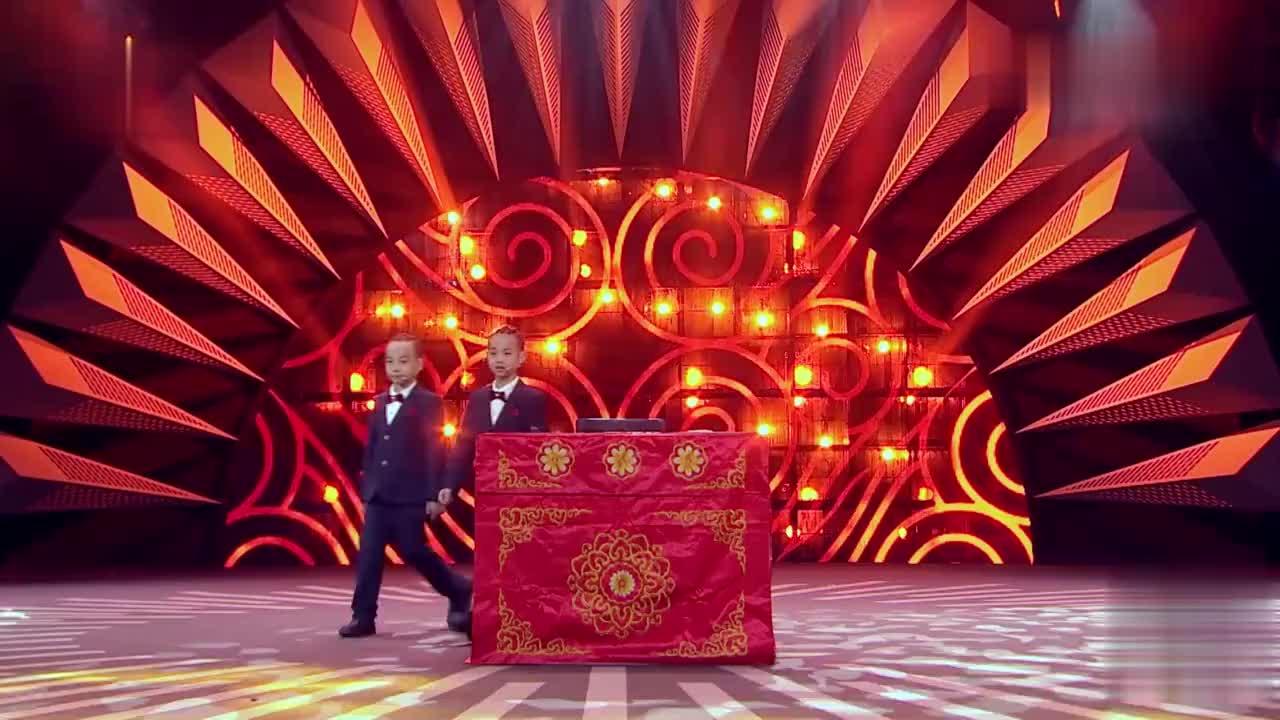 喝彩中华鞠萍姐姐携相声萌娃唱双簧中国曲艺魅力无穷新人辈出