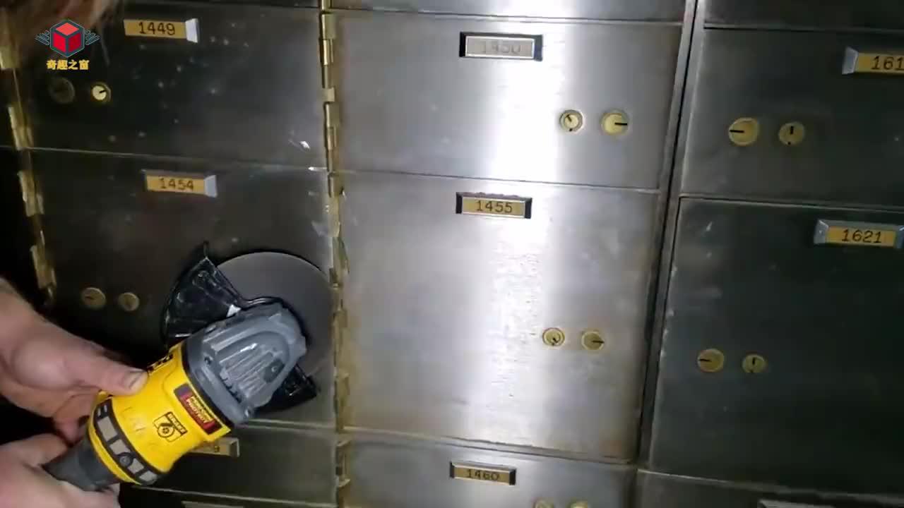 100kg的雷神之锤高空落下能砸开保险柜吗结果让人不敢相信