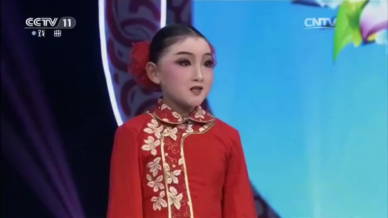 小才女多才多艺与李伟健杜悦进行游戏清新脱俗太可爱了