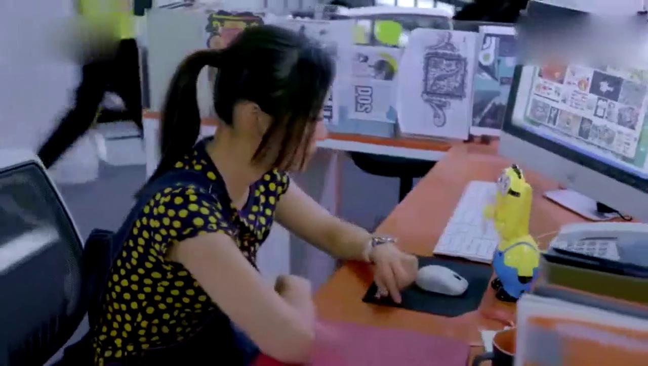 视频:小记者砸锅卖铁,终于买了宝马mini试驾车