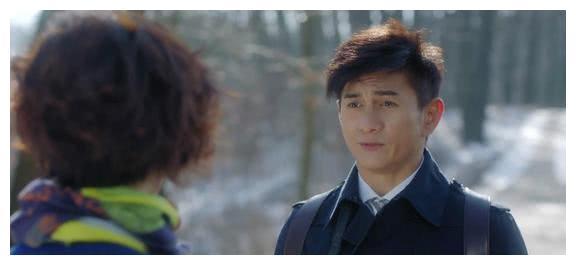 李小冉和吴奇隆也装嫩,新剧《月嫂先生》开播,剧情很狗血。