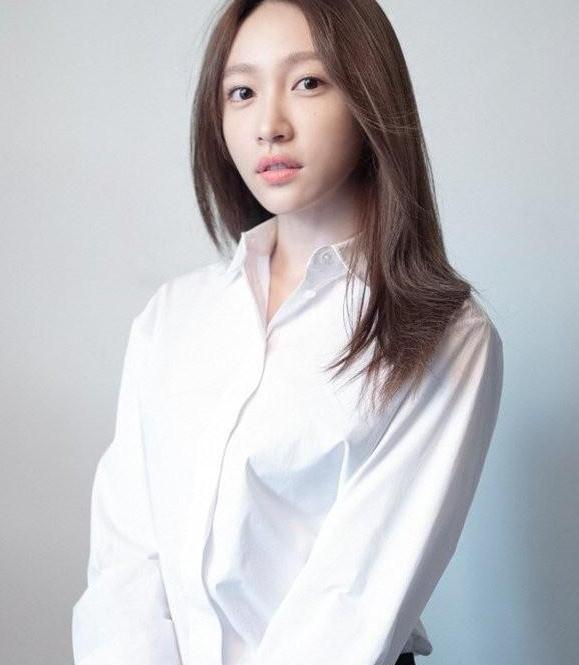 韩国性感女团 EXID 成员 Hani 出演网剧XX,变身职业调酒师