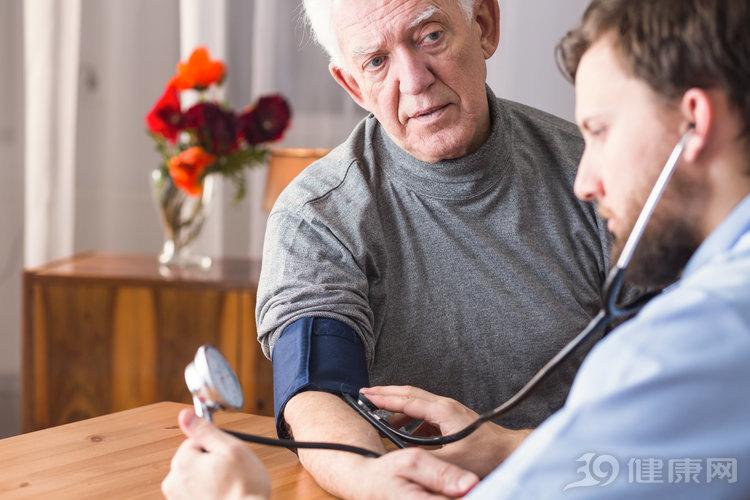 """血压什么时候容易升高?医生:这些""""小高峰""""要严格管控"""