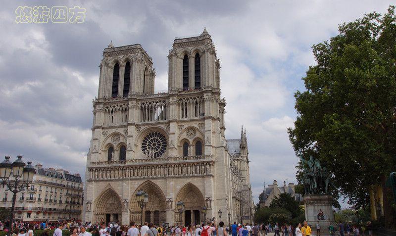 走进巴黎圣母院,沉醉于精美绝伦的彩绘玫瑰窗