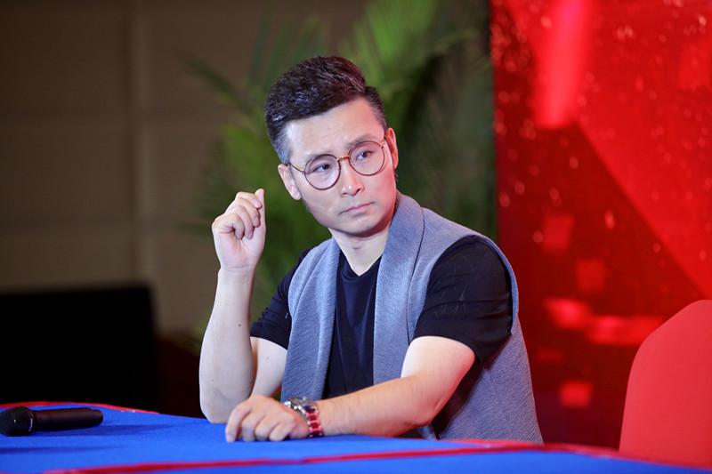 刘和刚发新歌《大爱无痕》献礼新中国成立70周年
