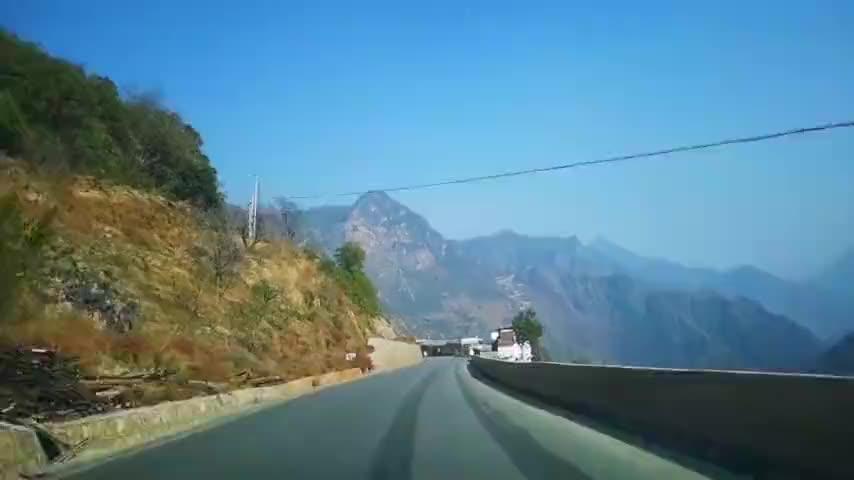 经典荷东猛士的士高带你去云南丽江至泸沽湖看沿途风景