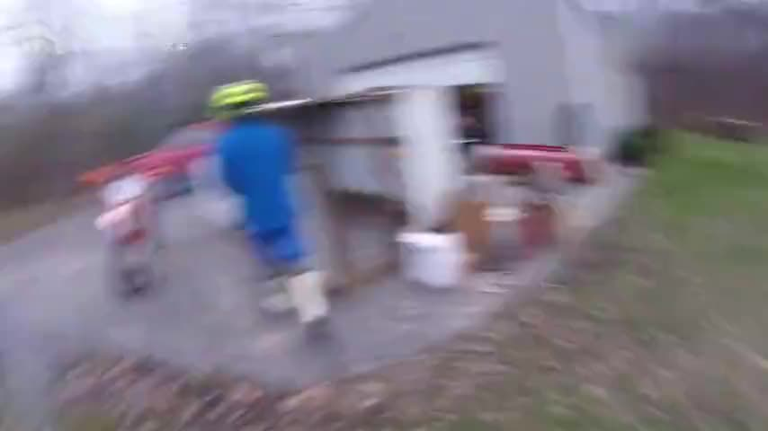 越野耐力骑行第一视角非铺装路面草地狂飙二冲程越野太暴力了