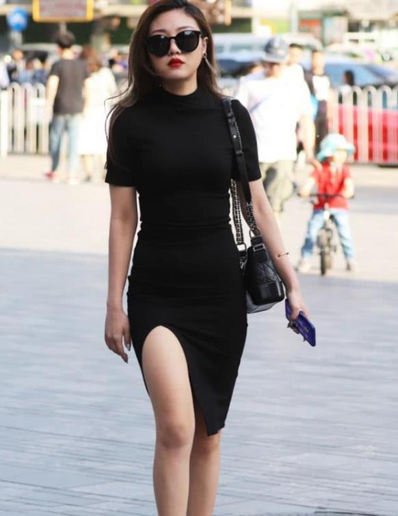 马蓉穿戴一身名牌却像村里二丫进了城,和杨幂battle衣品的她输很惨?