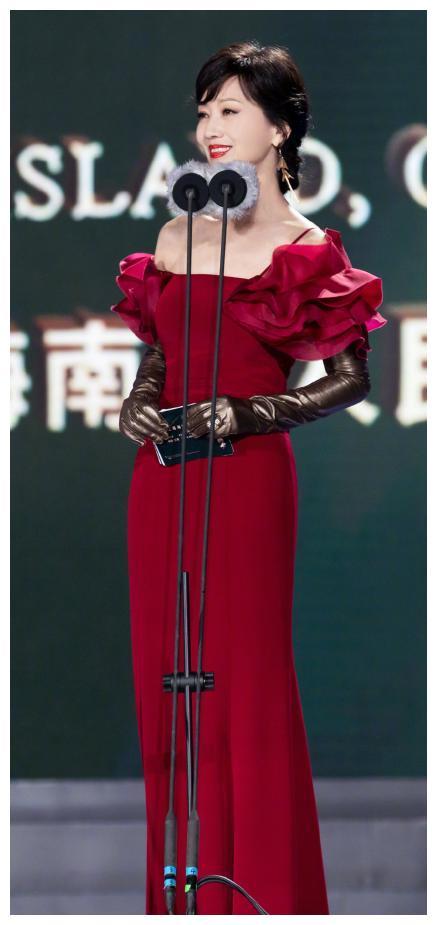 赵雅芝同框金莎陈乔恩都没输,65岁的她保养的太好了