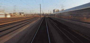 今天起,昆明坐火车直达青海,窗外就是天空之镜,一站一景美哭了