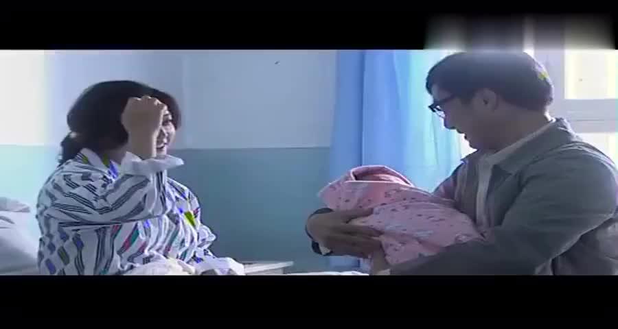 女子当年未怀孕,在医院偷了人家的孩子现在再怀孕生子时又碰到了