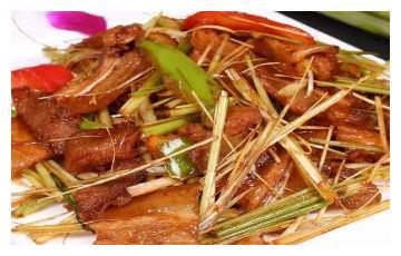 美食推荐:香茅草炒海猪肉、干妈猪蹄、白切环江香牛制作方法
