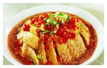 美食推荐:香水鸡、折耳根炒腊肉、芥末黄瓜墩配京糕梨丝制作方法