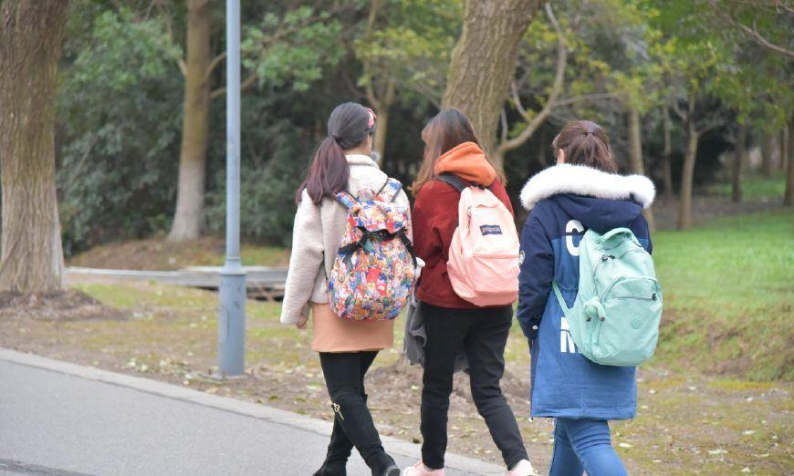上海对外经贸大学校园美景,景色迷人,妹子可爱