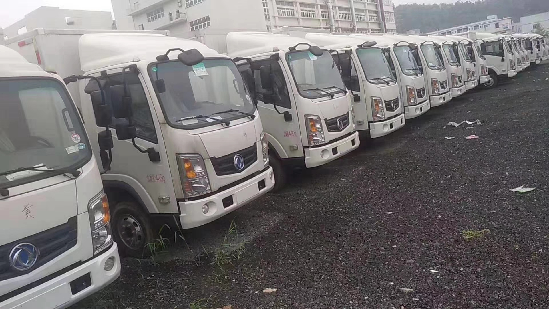 郑州日产帅客新能源网约车商务车纯电动小轿车  东风日产面包车