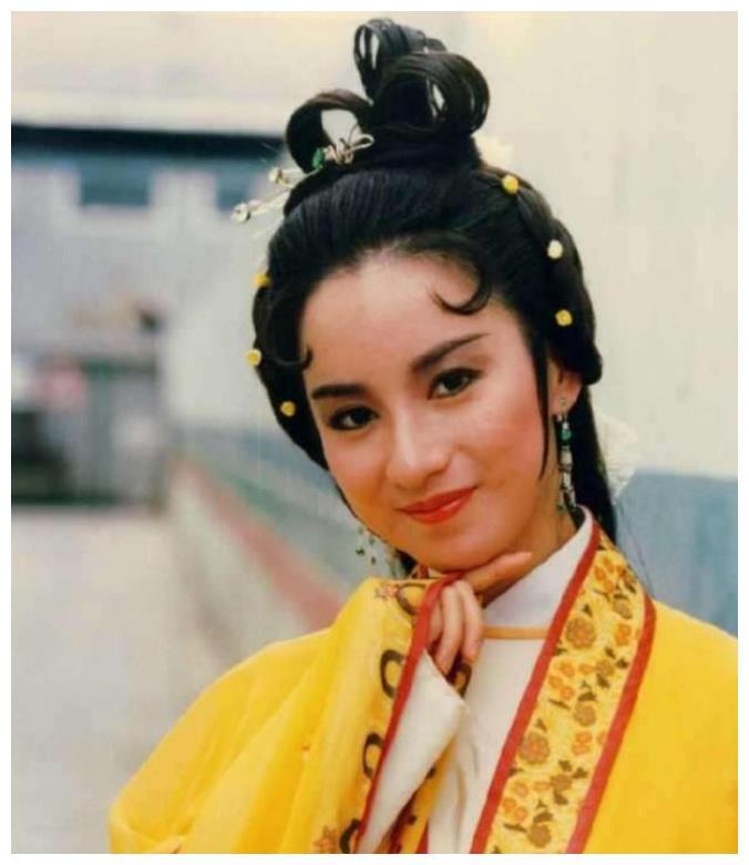 她是最矮的香港小姐,嫁给三婚男子后离婚,二婚后很幸福