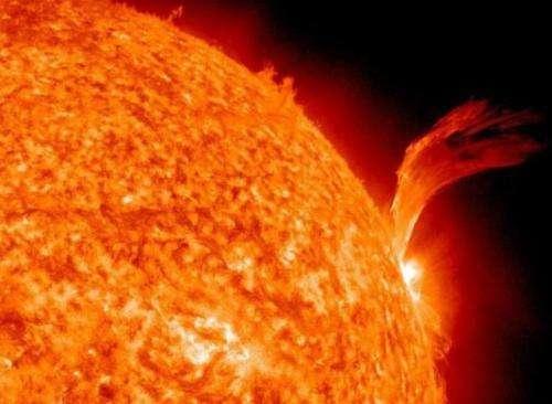 太阳黑子爆发时还会出现哪些太阳活动