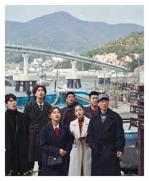 刘在石、李光洙、吴世勋三人接受THE DIVA REVIEW采访