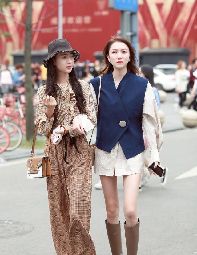 街拍:潮流时尚的韩系风搭配,凸显青春靓丽,韩范的你来学一学!