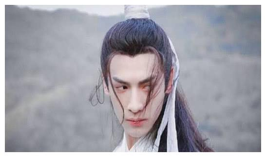 罗云熙成韩国整形新宠,亚洲整容的范本,网友:真不容易呀!