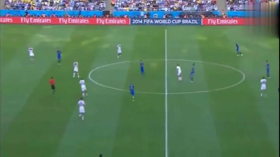 那一年,梅西和阿根廷距离世界杯冠军只差一个苏亚雷斯的距离