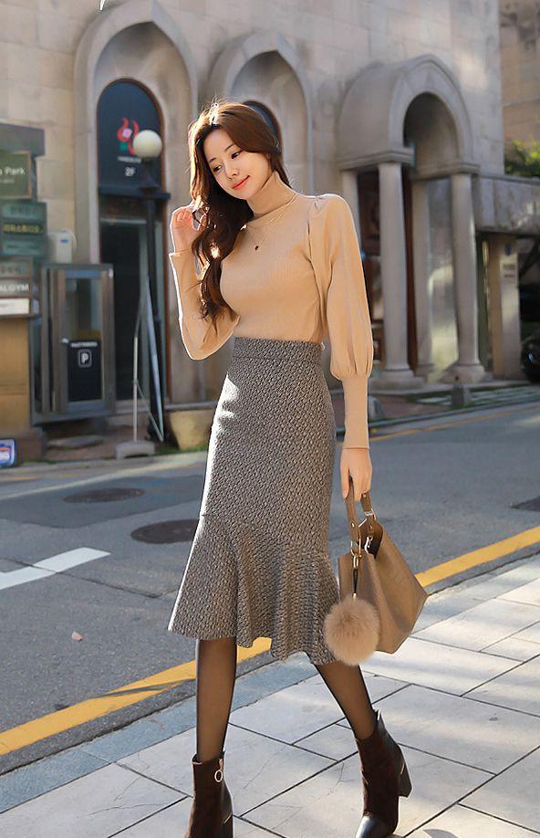 身材搭配-柔软触感高领毛衣配完美修身鱼尾半身裙
