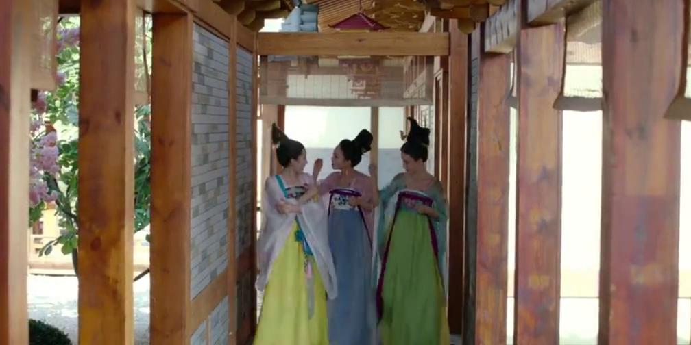 三人正打算英勇救人,没想到这个被欺凌的贵妃是个狠角色?