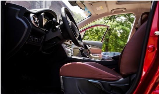 这车仅6万,比帝豪还漂亮,标配胎压监测ESP,比卡罗拉厚道
