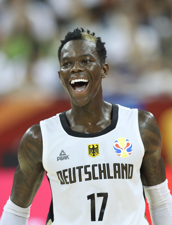 篮球——小组赛第二阶段:德国队胜塞内加尔队