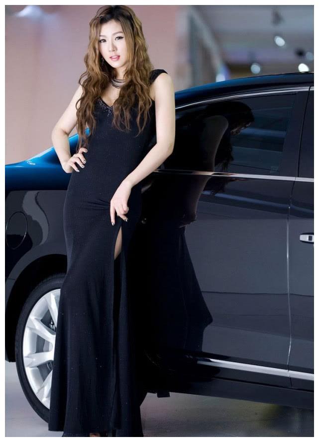 """韩国顶级车模,国际车展""""宠儿"""",为讴歌站台,迷倒众生"""
