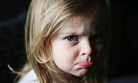 孩子犯错,家长是语言教育还是肢体教育呢?网友:看情况!