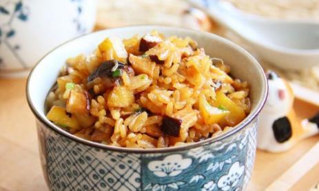 这款香菇油菜,即使没有肉类,也好吃的让你连着吃下好几碗!