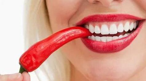 喜欢吃辣椒,可一吃就拉肚子,还火烧火燎的,这是为什么呢?