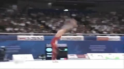 天才少女姚金男,17岁就练出高难度完美动作,空翻高度很可观