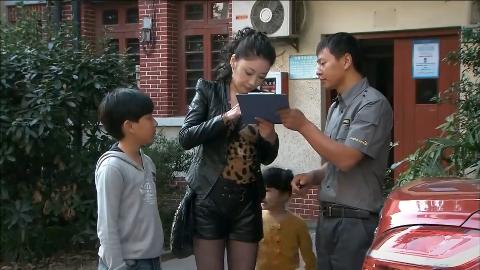孩奴:芦苇决定先带两个孩子去游乐场,玩了再去给欢欢报名