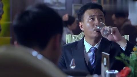 雪豹:胡军找到周卫国,竟是让他帮忙烧了烟土,他当场应下!