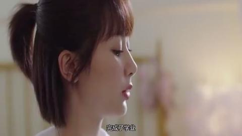 """杨紫""""熊扑""""李现身上时,谁注意李现双手位置了?有想恋爱的感觉"""