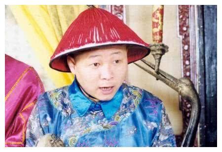 三德子娶小15岁的模特妻子,靠养鸡身价过亿,张国立都吃他的鸡
