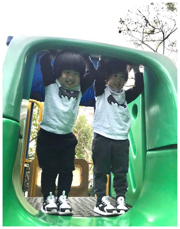 林志颖称双胞胎儿子爱玩滑梯,网友:因为他们有个爱溜滑梯的爸比
