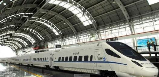 中国高铁每年负债三千亿还在建,为什么美国有钱却不建?