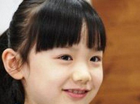 """芦田爱菜3岁签约演艺公司,8岁进入好莱坞,被称""""天才儿童演员"""""""