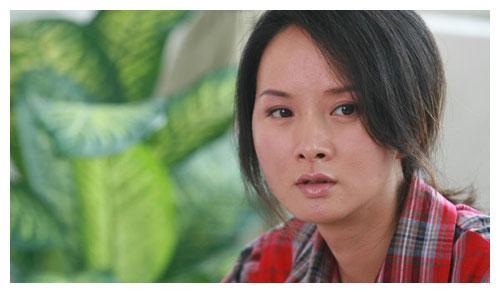 比赵丽颖还励志的女神,农村出身、父母是聋哑人,今获奖无数!