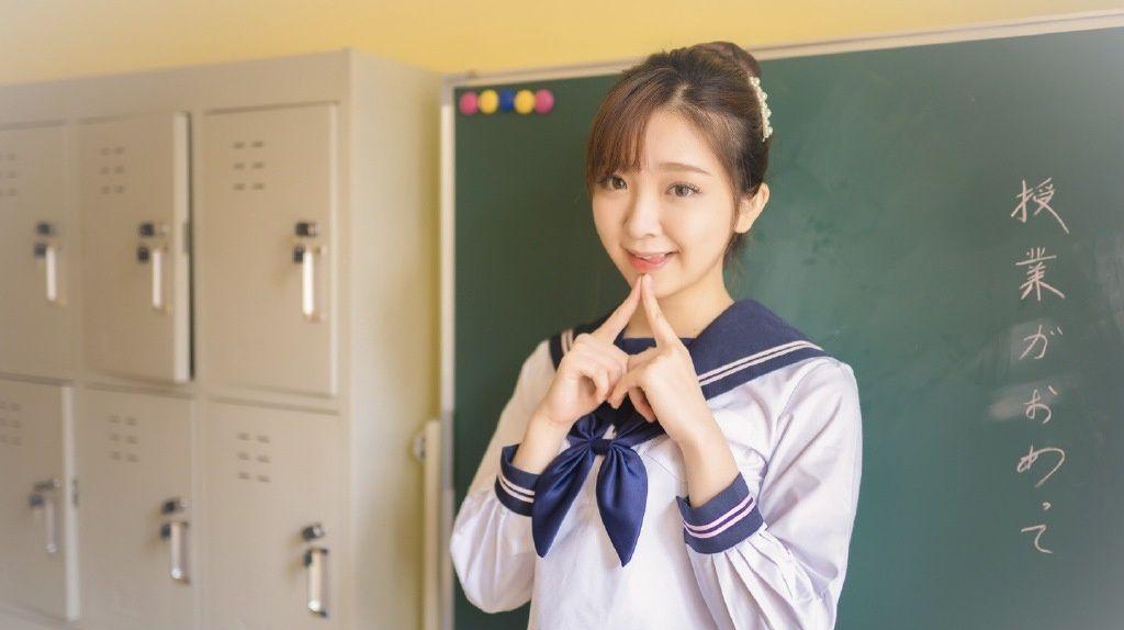 日系JK美女美腿制服教室写真