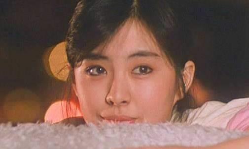 王祖贤的眼,朱茵的鼻,周海媚的嘴合一起长啥样?这太招人喜欢了