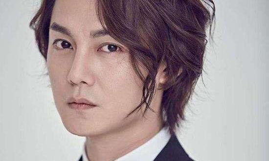 一直以为尹正短发会很丑,直到看见他的寸头照,网友:我错了!