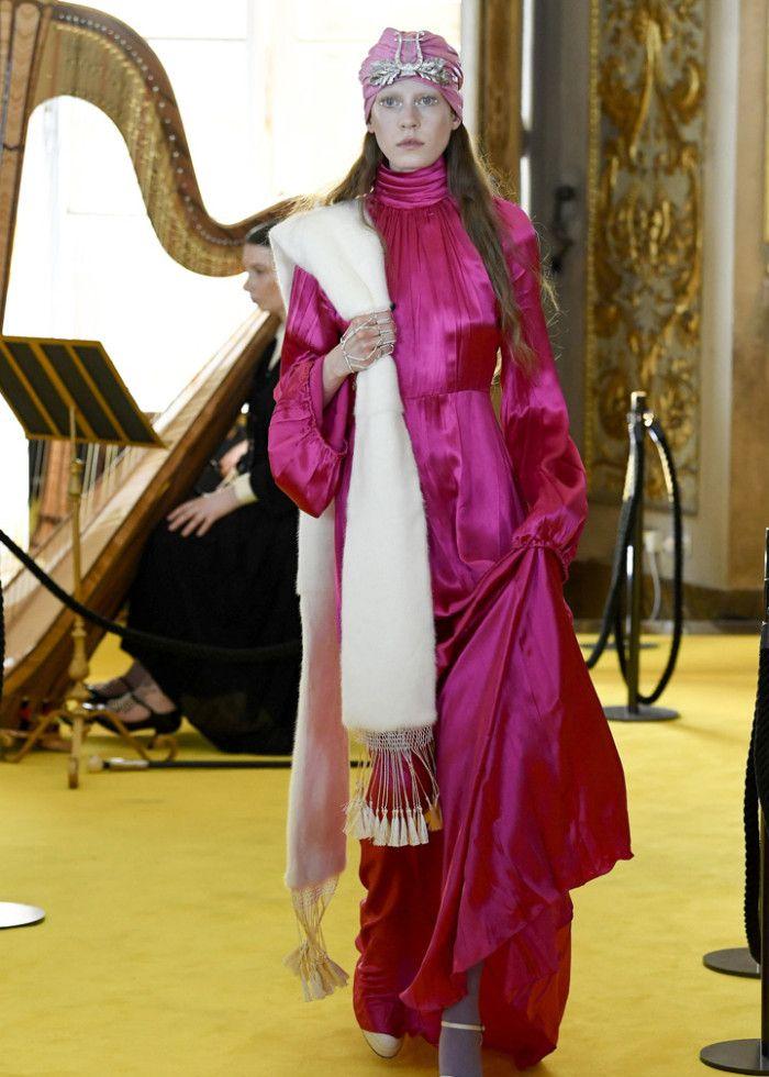 时装秀:国际模特穿搭个性十足,搭配与众不同,展现国际潮流之感