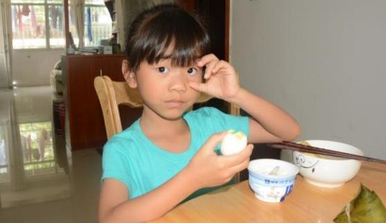 8岁男孩查出肠胃衰竭?儿科医生:3种早饭坑娃不浅,别再吃了