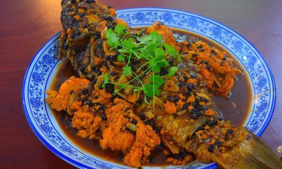 红烧鲤鱼好吃有诀窍,配方和步骤都告诉你,做法简单,鲜香入味!